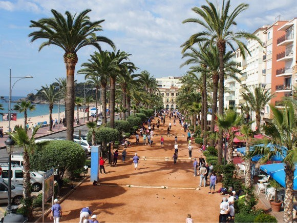 Passeig Jacint Verdaguer in Lloret de Mar, Costa Brava Photo: Heatheronhertravels.com