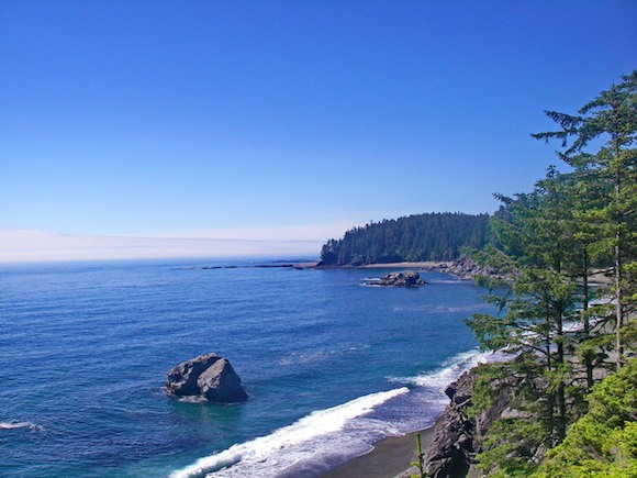 Beaches along the West Coast trail on Vancouver Island Photo: Hikebiketravel.com