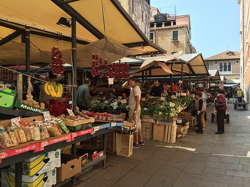 Rialto market in venice Photo: Heatheronhertravels.com