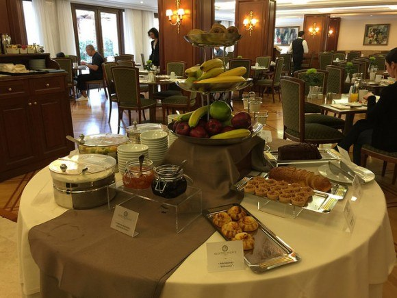Breakfast in the Motivo restaurant at Electra Palace Hotels in Athens Photo: Heatheronhertravels.com