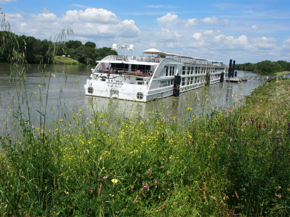 SS Catherine on the Rhone near Tarascon Photo: Heatheronhertravels.com