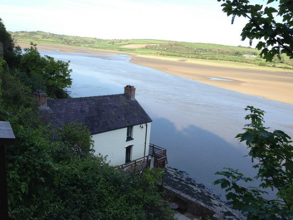 Dylan Thomas boathouse in Laugherne Photo Heatheronhertravels.com