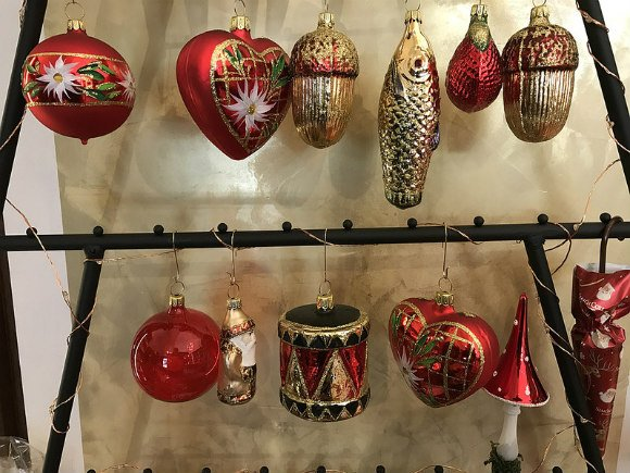 Traditional Christmas baubles in Coburg, Germany Photo: Heatheronhertravels.com