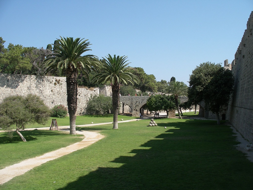 Castle Moat in Rhodes Photo: Shadowgate