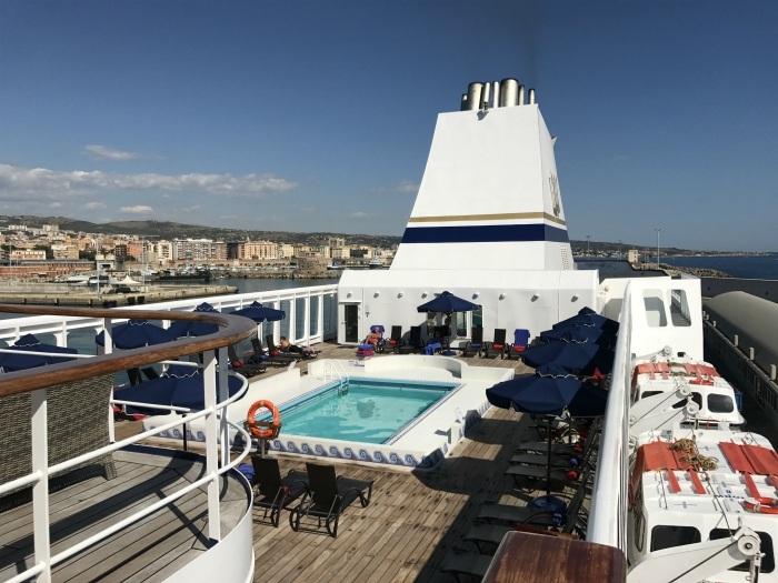 Lido deck on Aegean Odyssey Photo: Heatheronhertravels.com