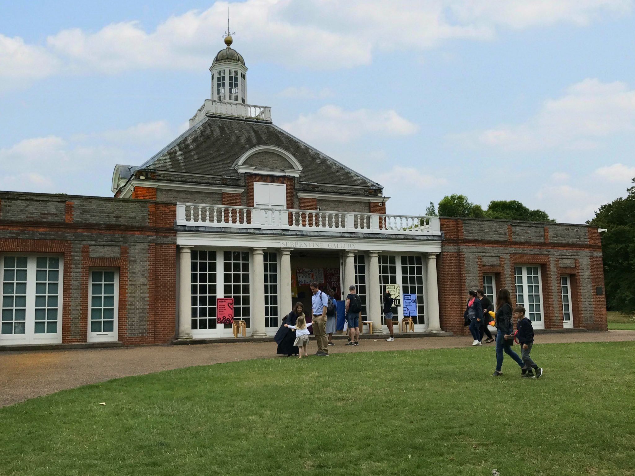 Serpentine Gallery in Hyde Park Photo: Heatheronhertravels.com