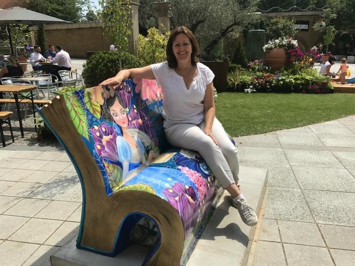 Sitting with Jane in Basingstoke Photo: Heatheronhertravels.com