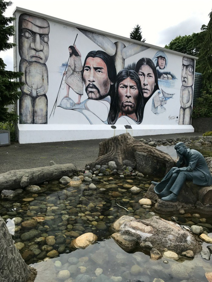 Murals in Chermanius, Canada Photo: Heatheronhertravels.com
